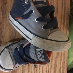 Converse Shoes - Size 7c shoes